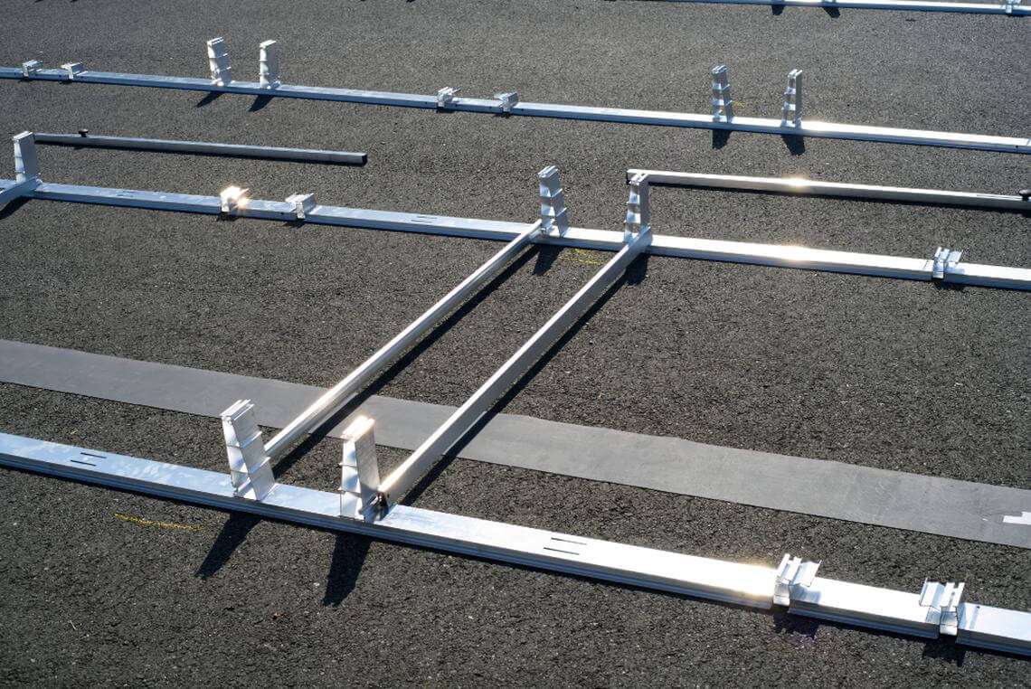 East-West Flat Roof Mounting System 3