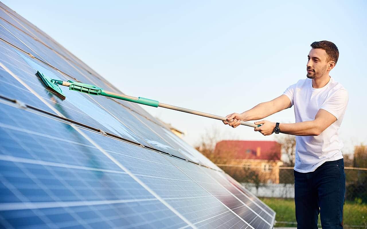 Reinigung einer Photovoltaikanlage 1